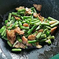 四季豆炒五花肉的做法图解8
