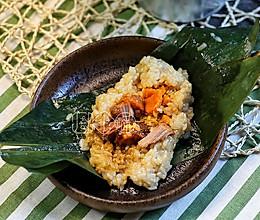 猪排咸蛋黄粽子和蜜枣碱水粽的做法