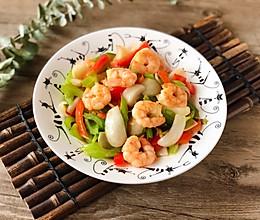 西芹百合炒虾仁,健康绿色低脂的美味的做法