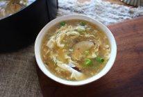 滑溜溜的香菇疙瘩汤的做法