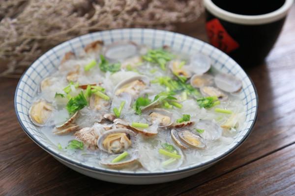 白萝卜花蛤汤