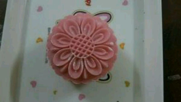 草莓冰皮紫薯月饼