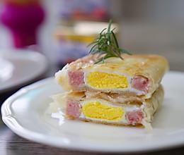 #全电厨王料理挑战赛热力开战!#手抓饼午餐肉酿蛋的做法