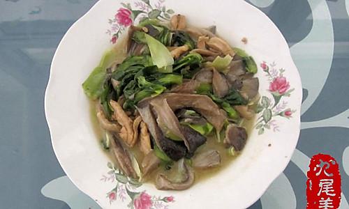 蘑菇油菜炖鸡的做法