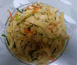 野蒜豆腐皮的做法
