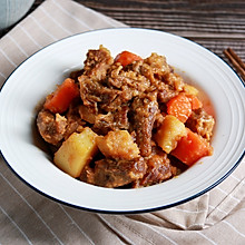 健康低卡家常菜——无油土豆炖牛肉