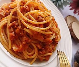 经典版意大利肉酱面(含肉酱制作过程)的做法