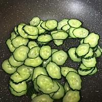快手家常菜-黄瓜炒蛋#金龙鱼营养强化维生素A  新派菜油#的做法图解3