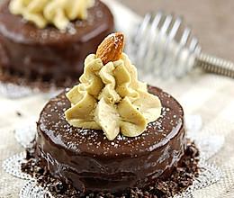 巧克力淋酱杏仁蛋糕的做法