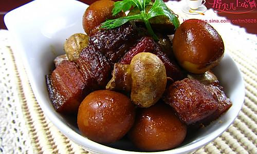 【家常菜】口蘑鹌鹑蛋烧肉的做法