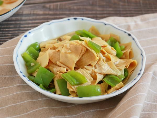 健康低卡家常菜—青椒豆腐皮的做法