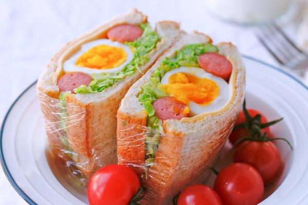 包菜全蛋三明治的做法