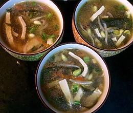 火腿蘑菇豆腐汤的做法