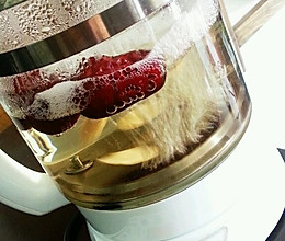 丰胸养颜的红枣黄芪养生汤:丰胸、益气、补血、排毒养颜的做法