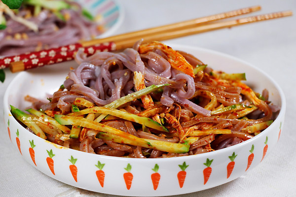 消暑解馋名气美食—鸡丝凉面的做法