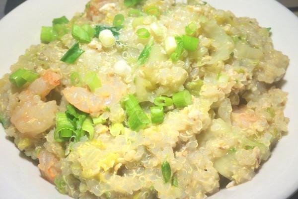 蔬菜虾藜麦粥的做法