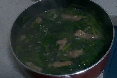 韭菜猪肝汤