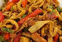 青红椒面筋炒肉丝的做法