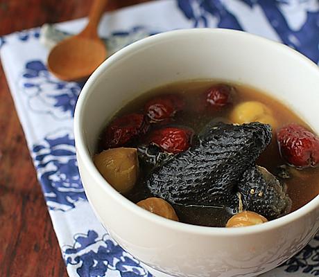 【栗子乌鸡养生汤】——给自己煲一碗温润的汤的做法