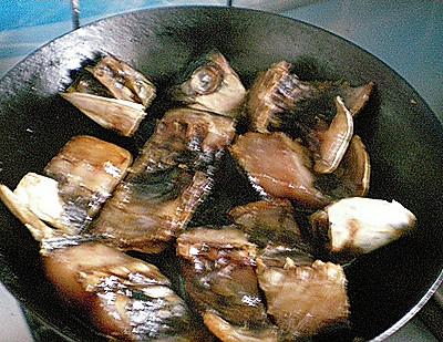 #菁选酱油试用之煎鱼块的做法 步骤4