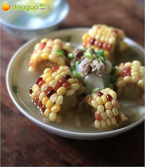 色香味俱全的好汤:五彩珍珠排骨汤的做法