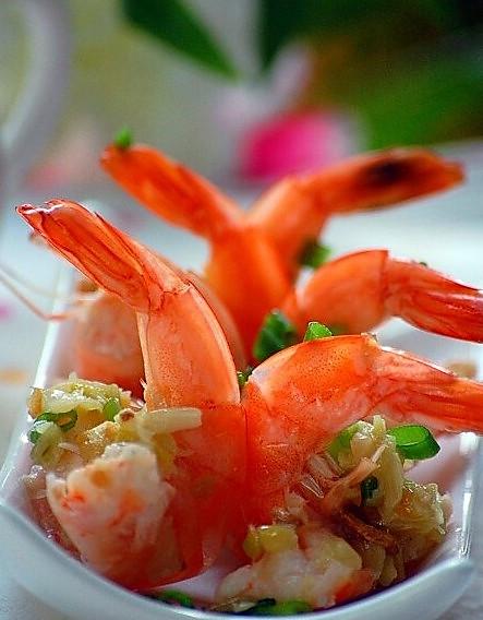 蒜茸开边虾的做法