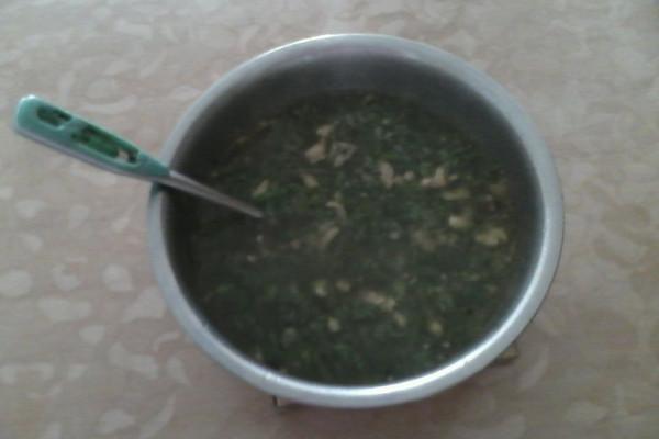 南瓜藤叶肉末汤。的做法