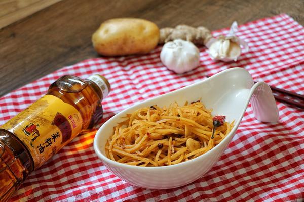 酸辣土豆丝#金龙鱼外婆乡小榨菜籽油 最强家乡菜#的做法