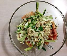 金枪鱼罐头蔬菜沙拉的做法
