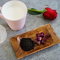 玫瑰奶茶的做法图解1