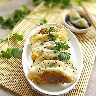 韭菜虾仁生煎饺
