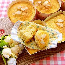 香蕉杏仁片海绵纸杯蛋糕