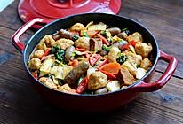 #巨下饭的家常菜#   倍儿解馋的鱼丸脆皮肠焖锅的做法