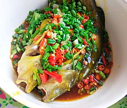 #春季减肥,边吃边瘦#剁椒蒸鱼的做法