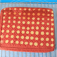 香润丝滑红丝绒波点蛋糕卷#长帝烘焙节#的做法图解16
