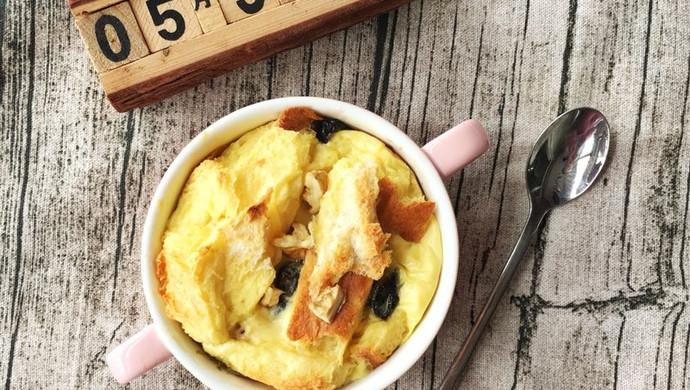 快手早餐~蛋奶吐司布丁