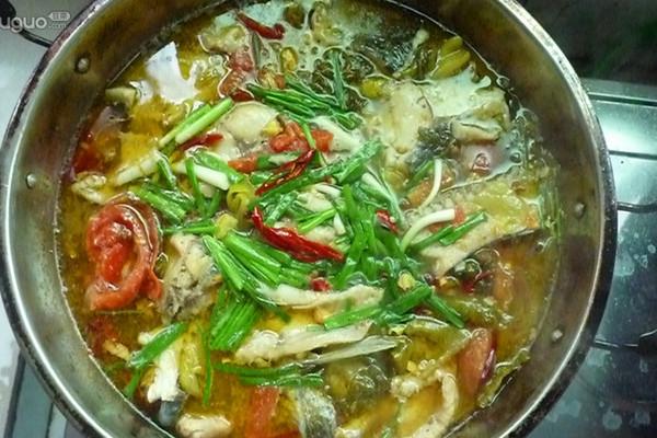 酸菜番茄鱼的做法