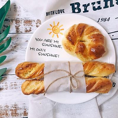 香喷喷的椰蓉奶棒面包 椰蓉面包