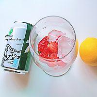 草莓鸡尾酒的做法图解3