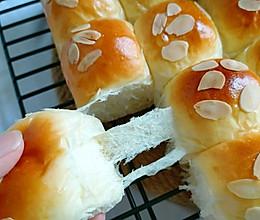 绵软醇香拉丝最好吃的甜面包~炼乳小餐包的做法