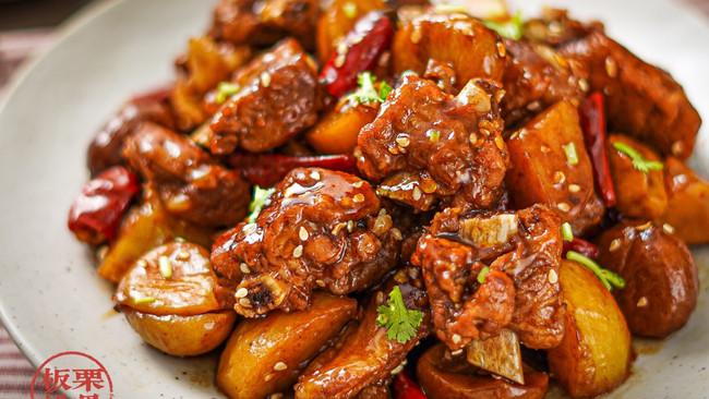 #肉食主义狂欢#家常下饭菜【板栗焖排骨】的做法
