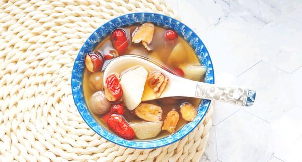 山药红枣桂圆汤:深秋时节的养颜补血汤的做法