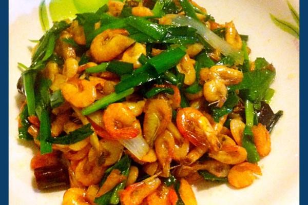 韭香小河虾的做法