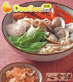 柴鱼海鲜汤面的做法