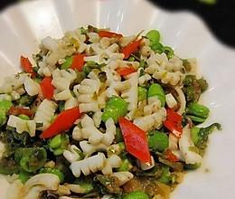 蚕豆雪菜炒目鱼的做法