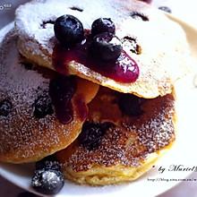 早餐就要这样的阳光【蓝莓酸奶煎饼Blueberry Yogurt Pancakes】