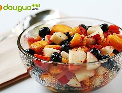 蓝莓水果沙拉