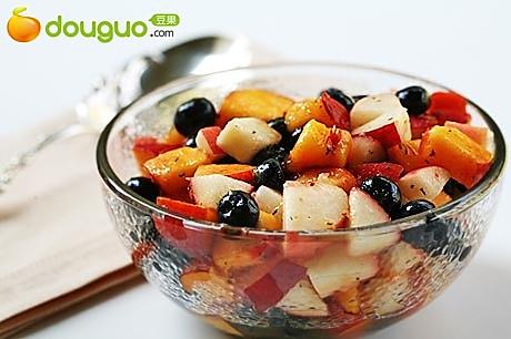 蓝莓水果沙拉的做法