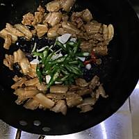 杏鲍菇炒肉片的做法图解3