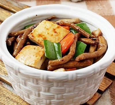 茶树菇烧豆腐
